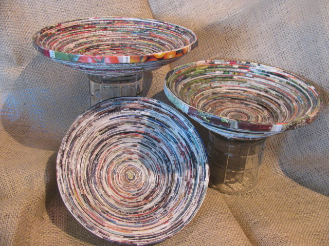 Tutorial coiled magazine paper bowls frugal upstate for How to make a newspaper bowl