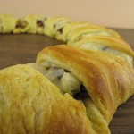 Recipe: Cranberry Walnut Turkey Crescent Ring
